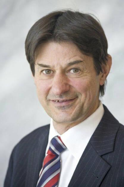 10-Jahre-Feier:Am 1. Juli 2003 nahm Raiffeisen Research unter der Leitung von Chefanalyst Peter Brezinschek seine Tätigkeit als gemeinsames Analysehaus der gesamten Raiffeisen Bankengruppe auf (c) Aussendung (18.07.2013)
