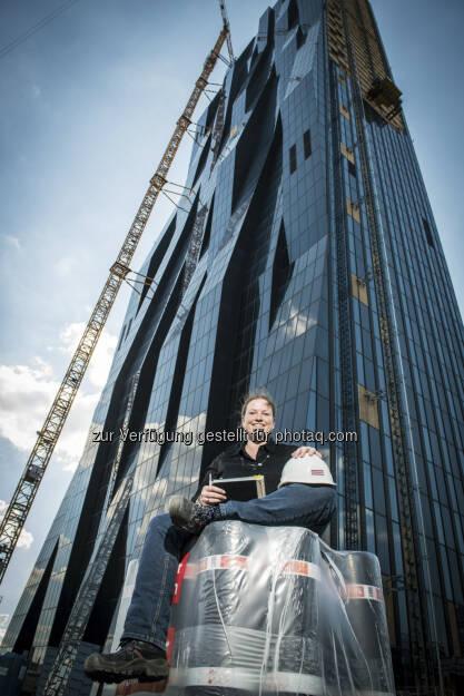 Die börsennotierte Strabag ist unter den Top 10 Arbeitgebern für Ingenieure in Österreich. Besonders beliebt ist der Baukonzern bei den Ingenieurinnen: Hier verbesserte sich der Rang von 12 auf 7, während es bei den männlichen Kollegen zehn Plätze von 31 auf 21 nach oben ging. Foto: (c) Rudi Froese (19.07.2013)