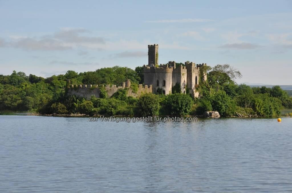 Burgruine, See, Irland (19.07.2013)