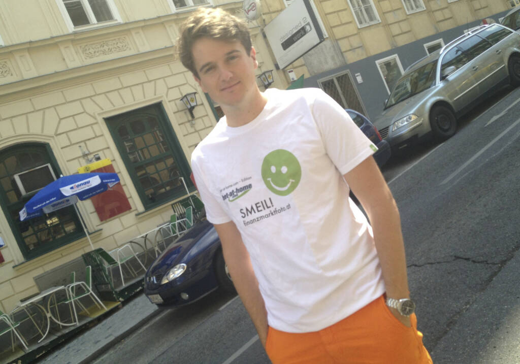 Twinni App Smeil! Maximilian Nimmervoll, Tailored Apps, mehr unter http://finanzmarktfoto.at/page/index/582 (Shirt in der bet-at-home.com-Edition) (19.07.2013)
