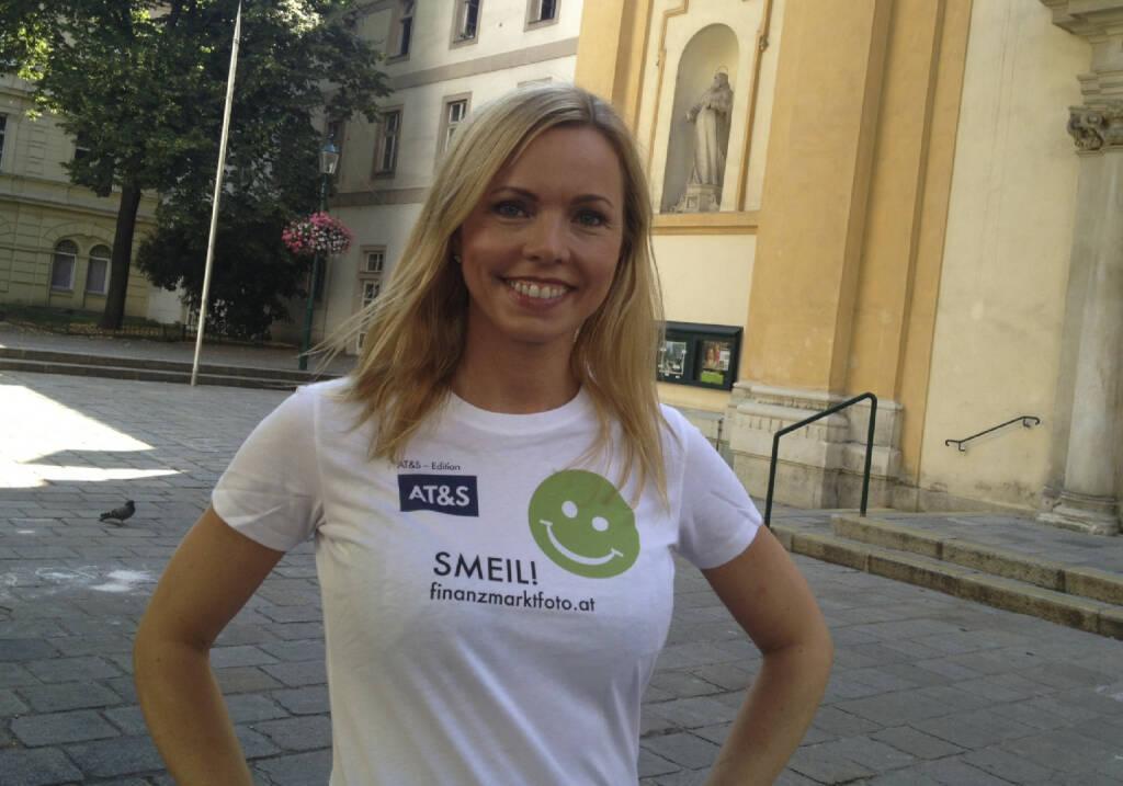 Übersetzer Smeil! Halla Gudrun Mixa, Transvox, mehr unter http://finanzmarktfoto.at/page/index/582 (Shirt in der AT&S-Edition) (19.07.2013)