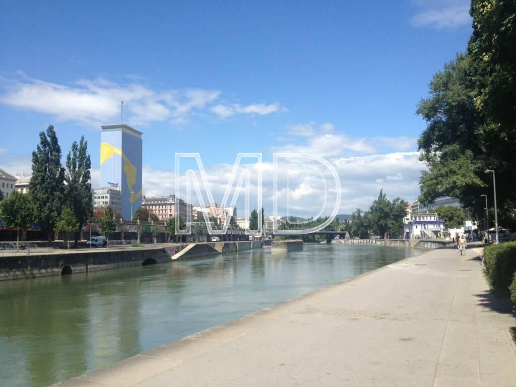 Donaukanal, Ringturm, © www.martina-draper.at (31.07.2013)