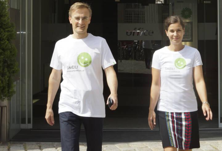 Deloitte Smeil! Die Leut´ sind Josef Schuch und Nora Engel, mehr Bilder aus dieser Serie unter http://finanzmarktfoto.at/page/index/599/