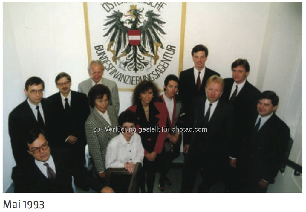 20 Jahre Österreichische Bundesfinanzierungsagentur: Team 1993 - mehr unter http://www.oebfa.at/de/osn/DownloadCenter/Die%20OeBFA/OeBFA_Geschichte_web.pdf, © OeBFA (01.08.2013)