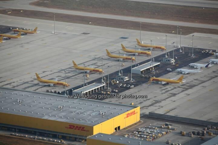 DHL Frachtzentrum am Flughafen Leipzig-Halle - aus der Ballonperspektive