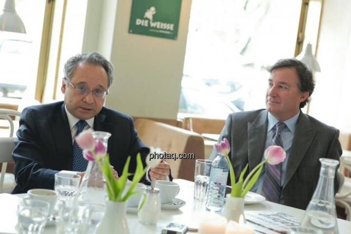 Lenic M. Rodriguez (CEO Aurcana), Gary Lindsey (Corporate Relations Aurcana)