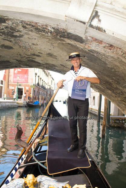 Venedig, Gondoliere mit Philoro Sackerl, © Nina Krist (Philoro) (05.08.2013)