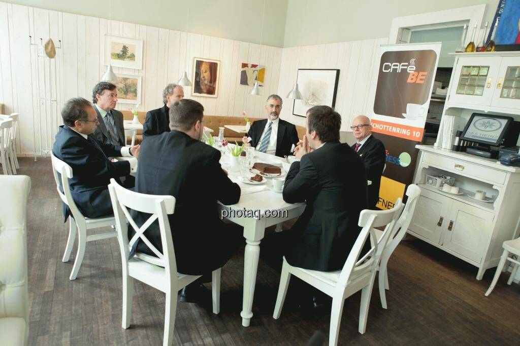 Cafe BE / Lunch Presentation mit Endeavour, Aurcana, Argentuminvest, IR-World.com, Börse Express, christian-drastil.com am 21.4. 2012 im Das Heinz, © Martina Draper (15.12.2012)