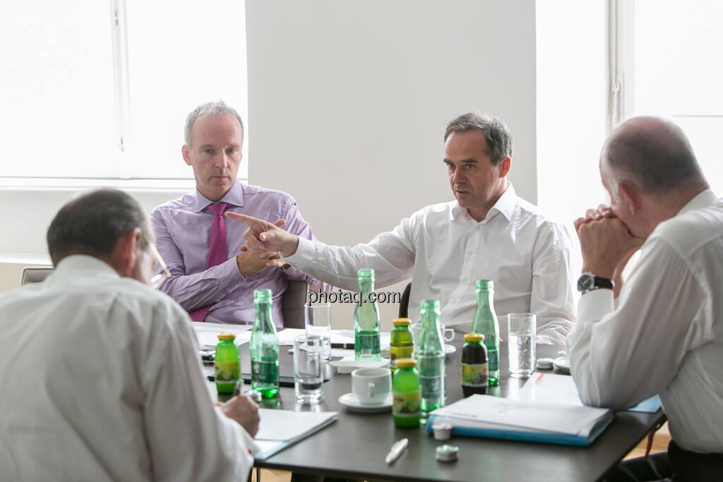 Christian Drastil, Wolfgang Matejka (Matejka & Partner), Wolfgang Nolz (Kapitalmarktbeauftragter, BMF), Michael Spiss (RCB), © finanzmarktfoto.at/Martina Draper (06.08.2013)