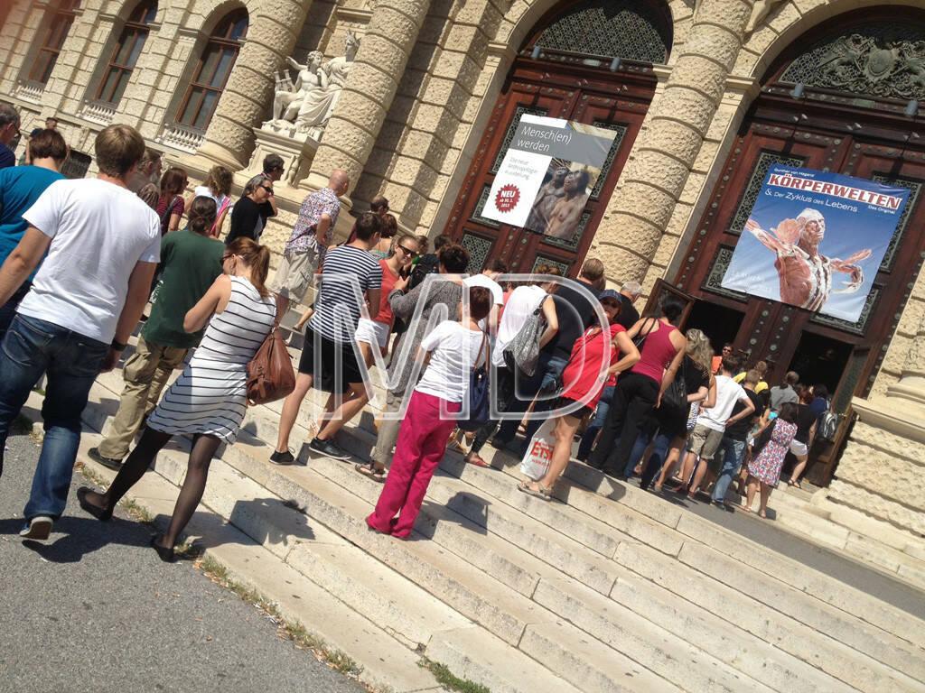Naturhistorisches Museum, Körperwelten, Menschenschlange, © www.martina-draper.at (11.08.2013)