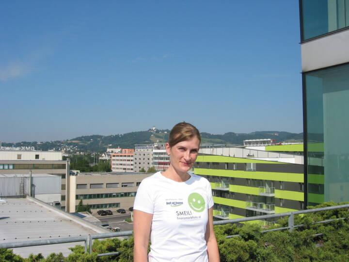 HR Smeil! Silke Gruber (Abteilungsleiter Human Res. bei bet-at-home.com (Shirt natürlich in der bet-at-home.com-Edition)
