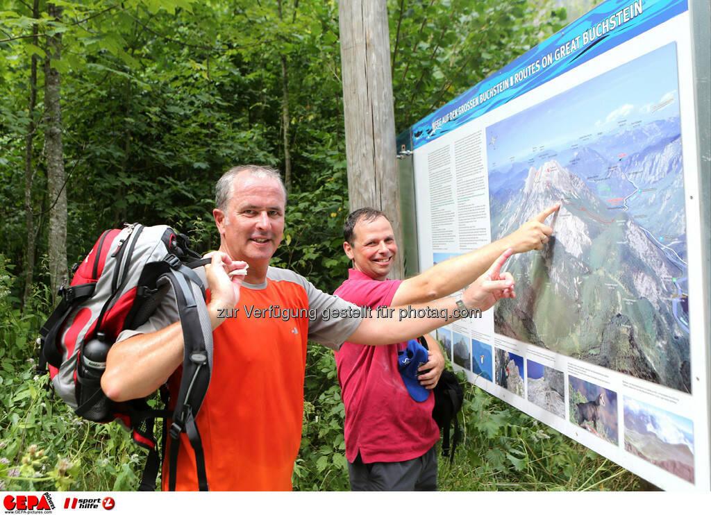 Franz Meingast (Uniqua) und Philipp Bodzenta (Coca Cola). Foto: GEPA pictures/ Markus Oberlaender (13.08.2013)