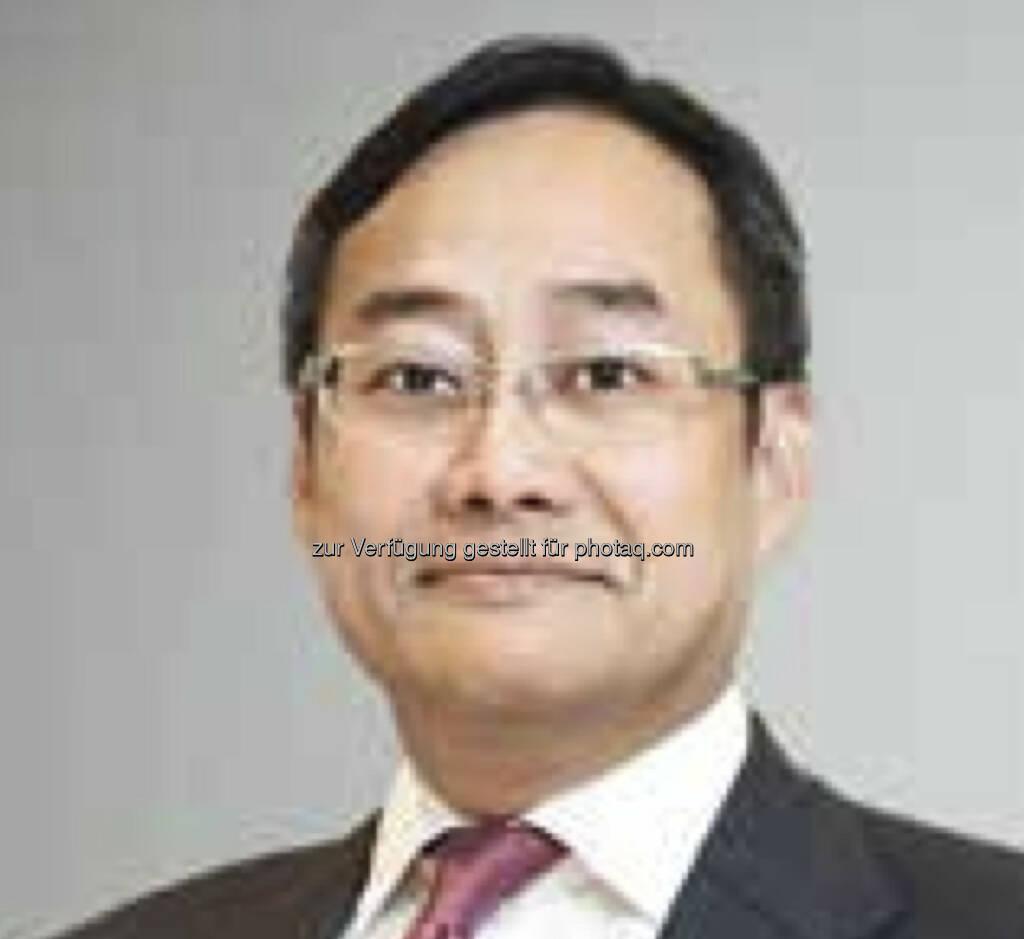 """Die China-Experten von Invesco schreiben in der jüngsten Ausgabe ihrer Publikation """"Dragon Code"""", dass der Dienstleistungssektor des Landes im Zuge der wirtschaftlichen Entwicklung in Zukunft voraussichtlich gute Anlagechancen bieten wird. """"Das Wachstum im Dienstleistungssektor wird wahrscheinlich stärker im privaten Sektor stattfinden – und gefördert werden – als im staatlichen Sektor, wovon auch die Aktionärsstruktur am chinesischen Markt profitieren sollte"""", erläutert Joseph Tang, Investment Director, Invesco Hong Kong (c) Aussendung (16.08.2013)"""