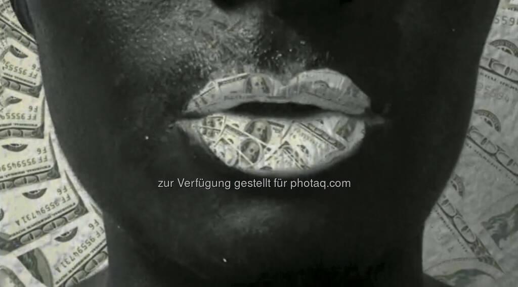 Dollar, Mund, Geld - ein Still aus https://vimeo.com/68766520 von Julie Böhm (17.08.2013)