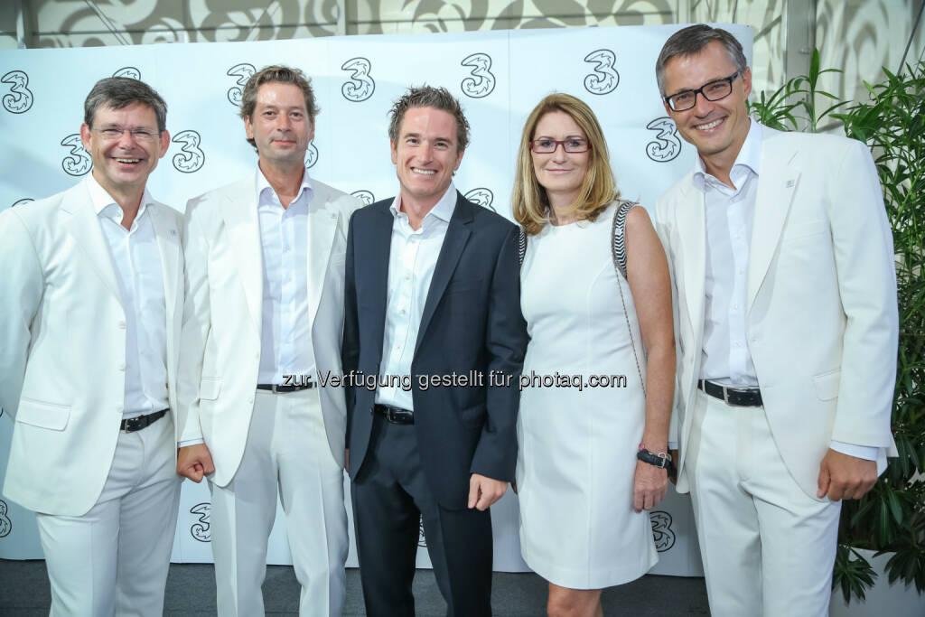 Apple Austria Geschäftsführer Roland Tremmel mit 3 Geschäftsführung, © 3 (20.08.2013)