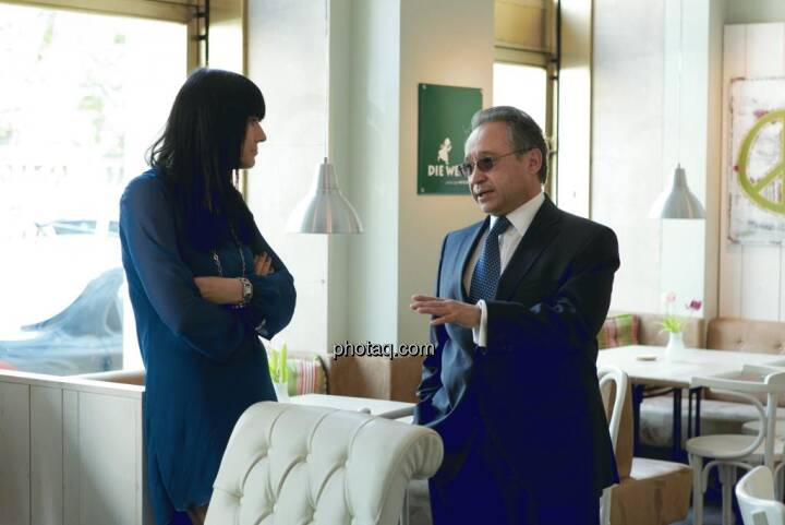 Simone Korhonen (IR-World.com), Lenic M. Rodriguez (CEO Aurcana)