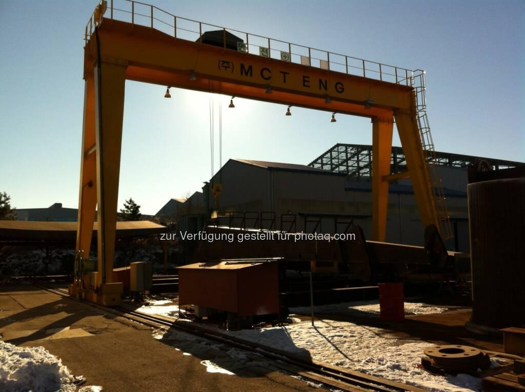 Palfinger / Korea 1: Die Palfinger-Gruppe schloss einen Vertrag mit einem wesentlichen Partner und Lieferanten von Palfinger Dreggen, der koreanischen MCT Engineering CO.,LTD. (MCT Eng). Demnach übernimmt Palfinger Assets und Betrieb von MCT Eng in Zusammenhang mit der Produktion von Marine- und Offshore-Kranen (c) Palfinger (26.08.2013)