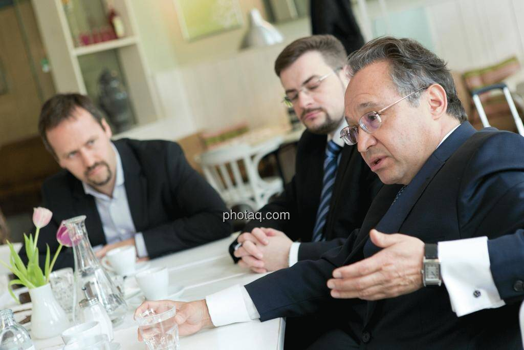 Joachim Brunner (IR-World.com), Richard H. Mayr (CEO Argentuminvest), Lenic M. Rodriguez (CEO Aurcana), © Martina Draper (15.12.2012)