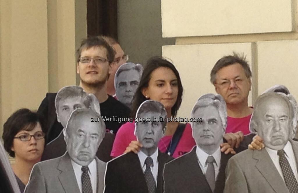 Claudia Gamon mit Megaphon (29.08.2013)