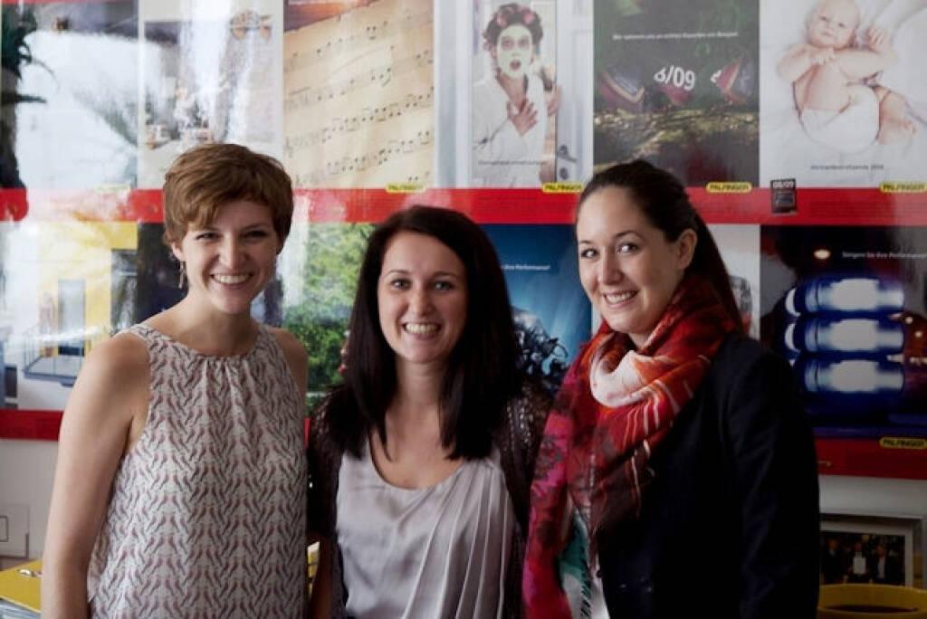 Palfingers Kommunikatorinnen: Claudia Randl, Ferialjobberin Lisa Mair und Julia Ganglbauer - http://blog.palfinger.ag/1x-ferialjob-mit-netten-kollegen-anspruchsvollen-taetigkeiten-und-viel-berufspraxis-bitte/ (31.08.2013)