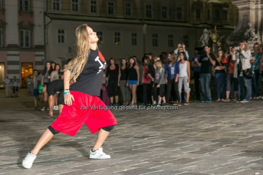 Dancing Flashlight zur voestalpine Klangwolke, &copy; mehr zur voestalpine Klangwolke unter <a href=