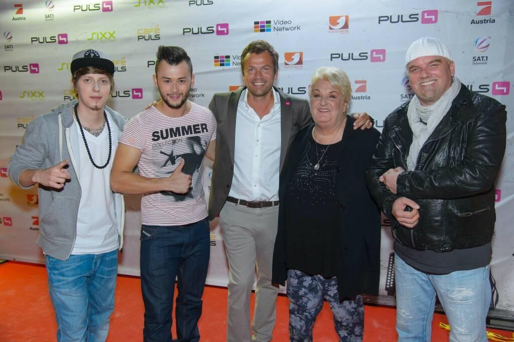 Manuel Hoffelner, Lukas Plöchl, Markus Breitencker, Stefanie Werger, DJ Ötzi, (c) Andreas Tischler (06.09.2013)