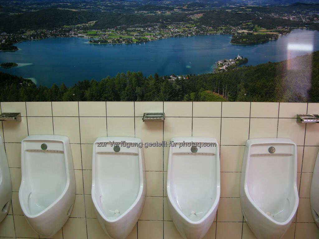 Pissoir mit Ausblick, WC, Toilette (C) Wolfgang Wildner, © teilweise www.shutterstock.com (07.09.2013)