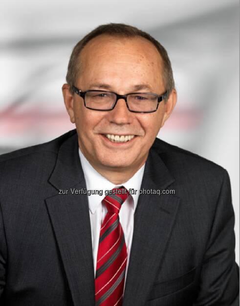 """Josef Adelmann, Vorstandsvorsitzender der Ergo Versicherung, bietet neu den """"Active Capital Inflation 3/2029"""" an. Die  indexgebundene Lebensversicherung leistet 100 % der Einzahlung zuzüglich einer Verzinsung, die den Inflationsraten bis zum Laufzeitende entspricht. Sollte die Inflationsrate während der gesamten Laufzeit des Produktes im Durchschnitt unter 1% liegen, beträgt die Rückzahlung fixe 116,667 % des einbezahlten Kapitals (inklusive 4 % Versicherungsteuer). Die kapitalertrags- und einkommensteuerfreien Erträge unterliegen nicht der Kursgewinnsteuer. Das Produkt wird exklusiv über die Bank Austria und Makler angeboten. (10.09.2013)"""