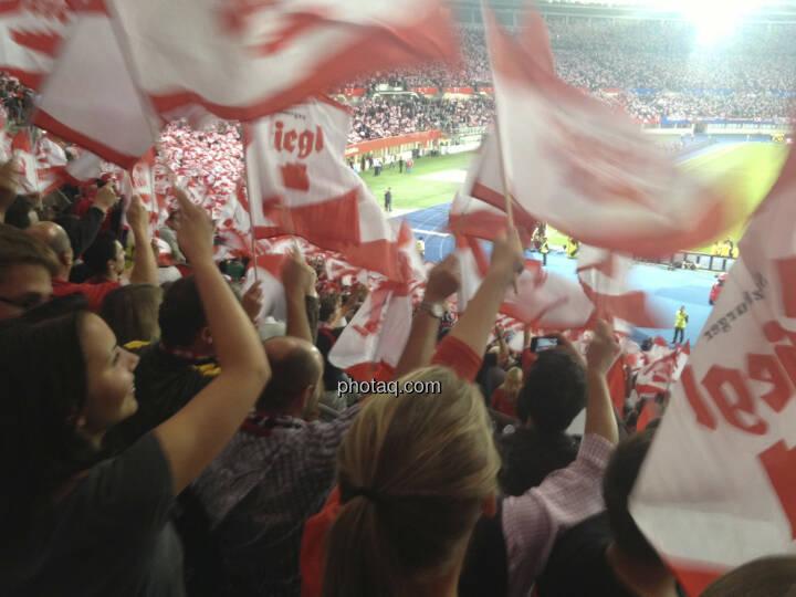 Österreich, rot-weiss-rot, Fussball, Jubel