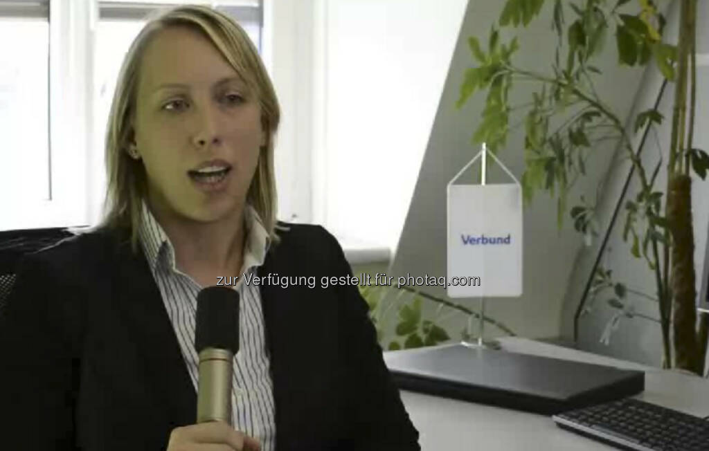 Anita Wittmann, Controlling Stromvertrieb beim Verbund: Controlling hat sehr viel mit der Entscheidungshilfe für das Management zu tun und daher ist Anita Wittmann schon sehr früh in die diversen Entscheidungen des Managements von VERBUND eingebunden. Das ist für sie sehr spannend und daher das Coolste an ihrem Job. Das Video (2:44 Minuten) dazu unter http://www.whatchado.net/videos/anita_wittmann (c) whatchado, © whatchado (16.09.2013)