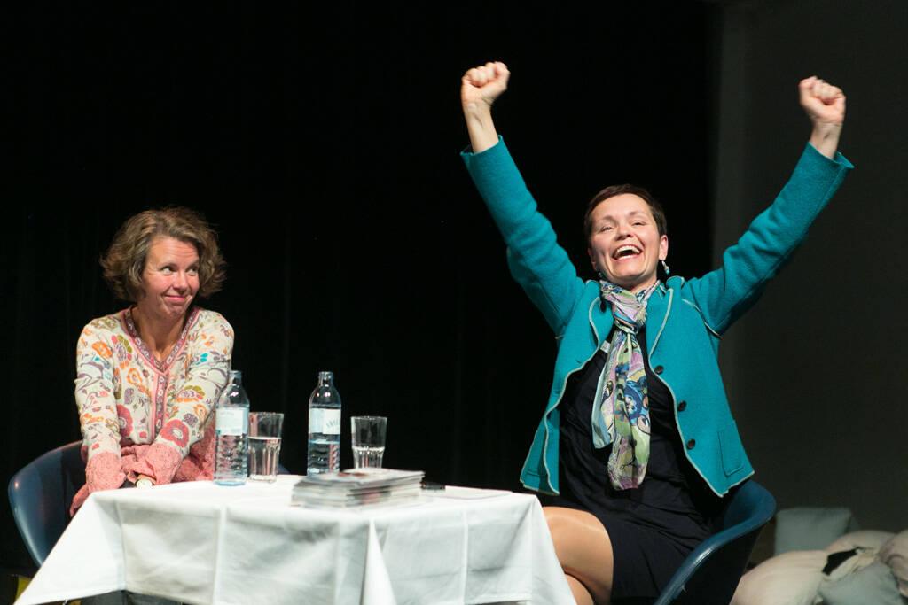 Yes - Monika Piber-Maslo (CSR Leiterin Austria Glas Recycling), Cornelia Dankl (Bonus Vorsorgekasse), © Martina Draper (19.09.2013)
